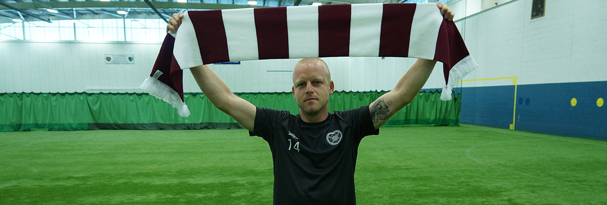 Naismith rejoins Hearts