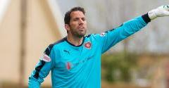Alexander to leave Hearts